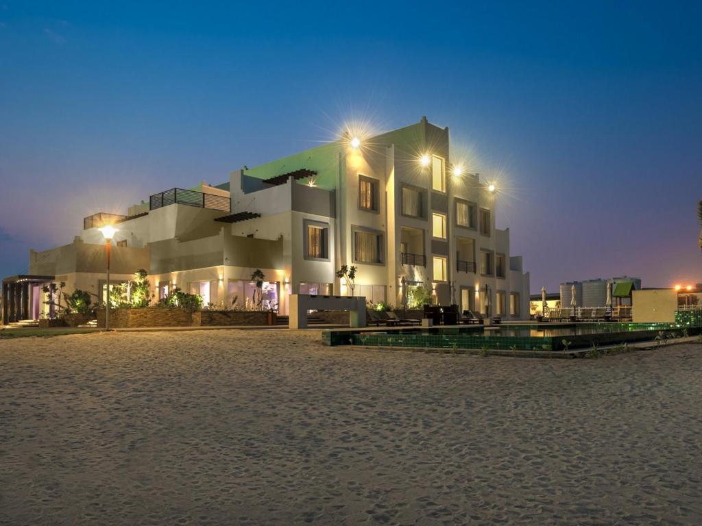 Pearl Beach Hotel Umm Al Quwain Location