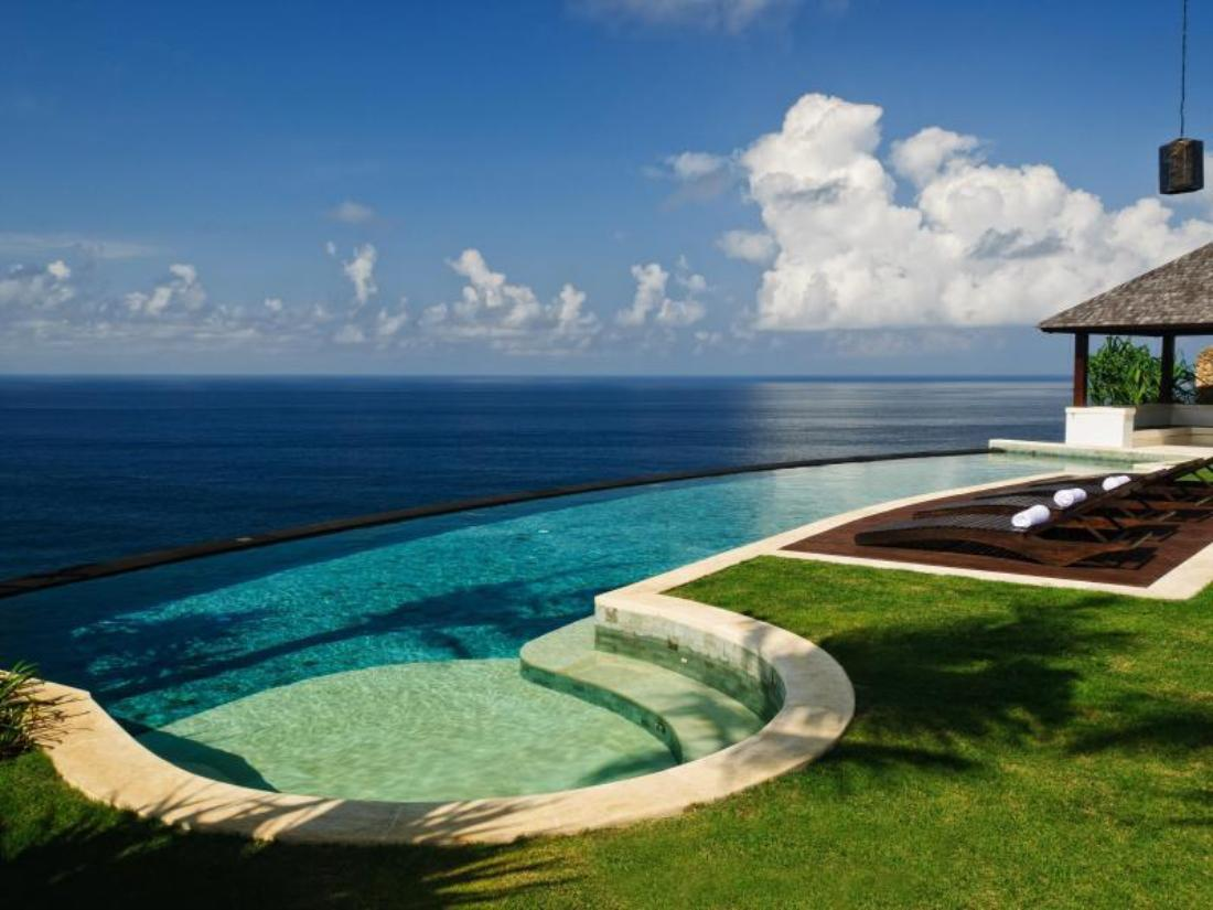 Book the ungasan clifftop resort bali indonesia for Bali resort villa
