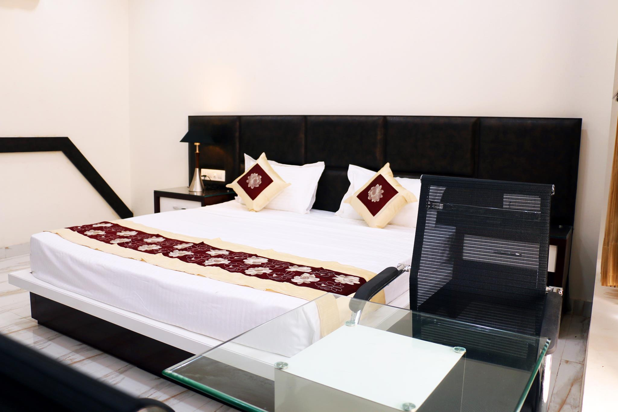Hotel Neelam Moga, Moga