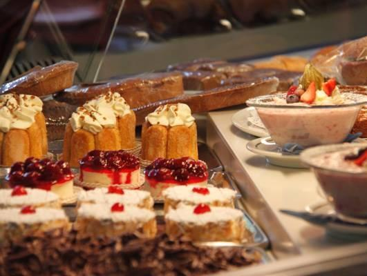 Schnider Bed&Breakfast und Cafe, Surselva