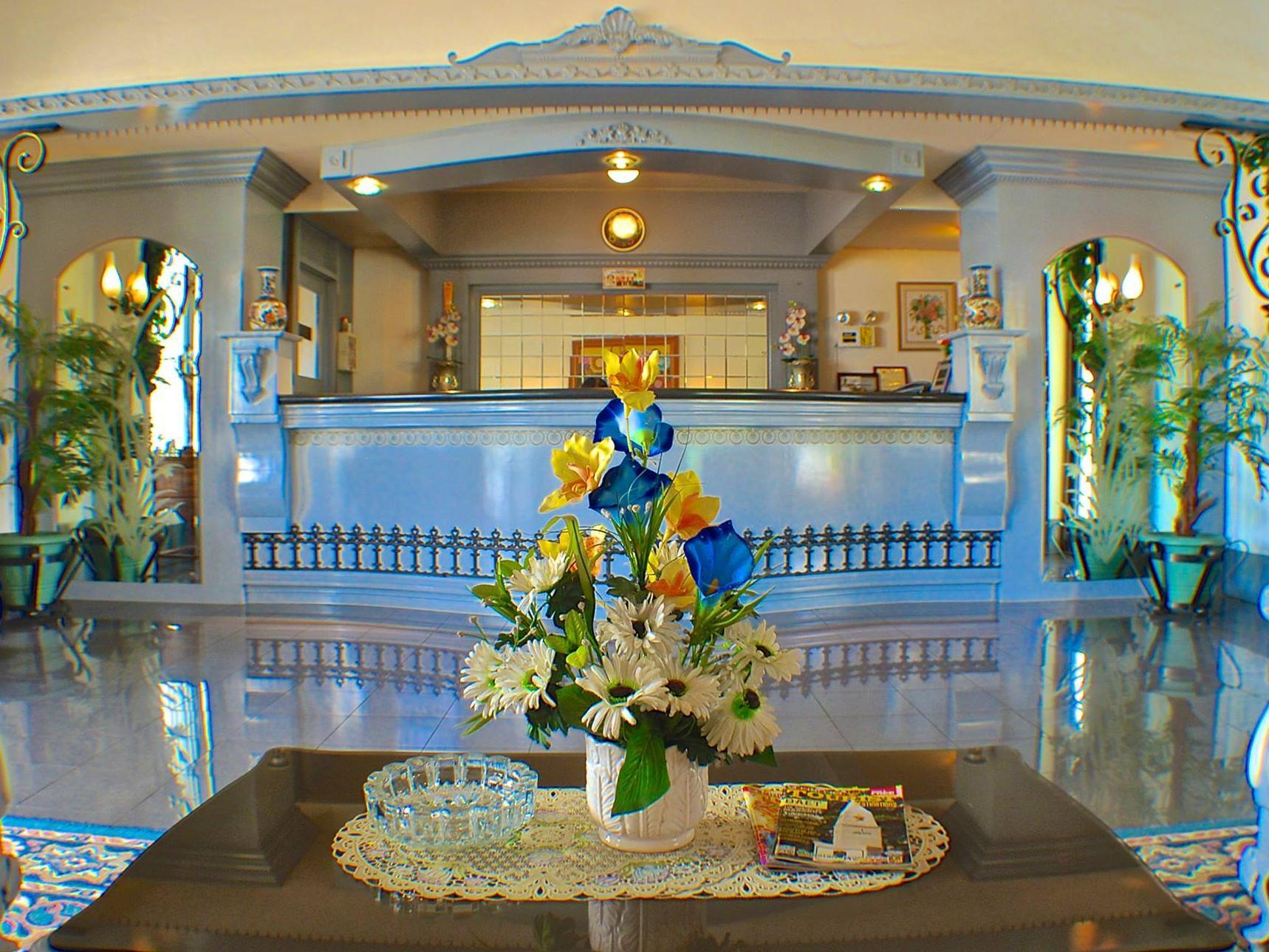 SM Travelodge Hotel & Restaurant, Batangas City