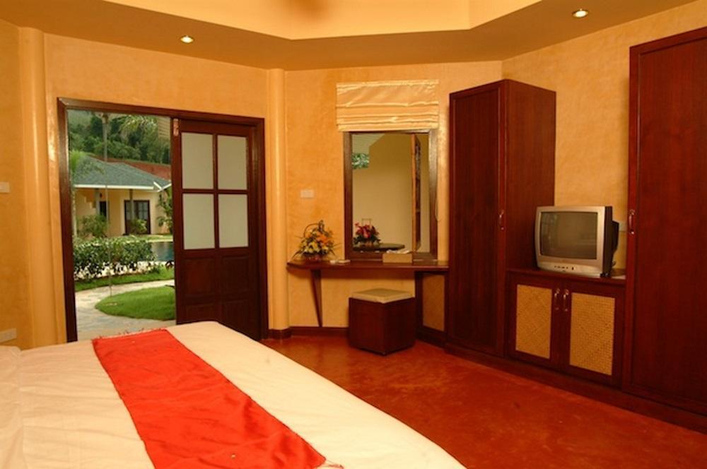 palm garden resort khaolak