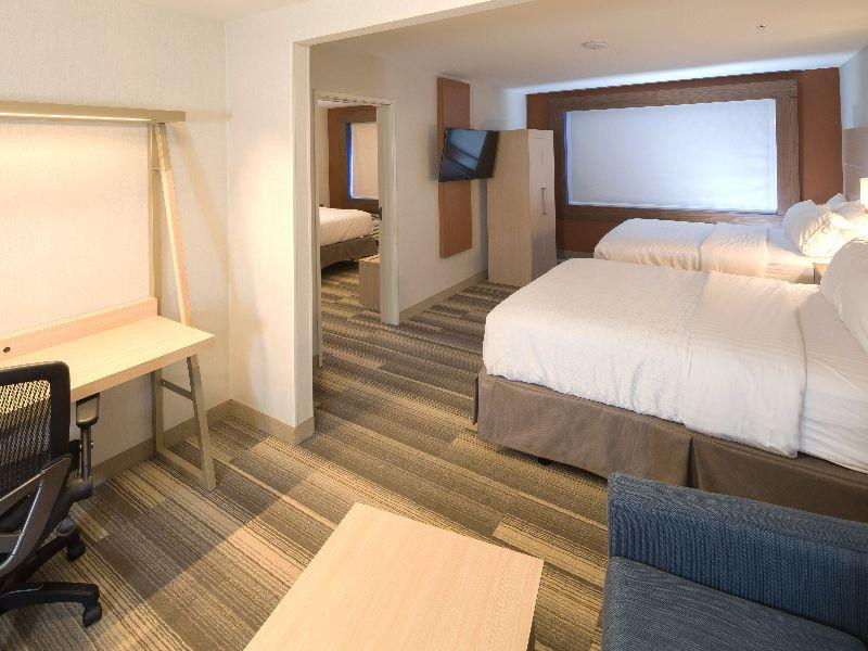 Holiday Inn Express & Suites Gaylord, Otsego