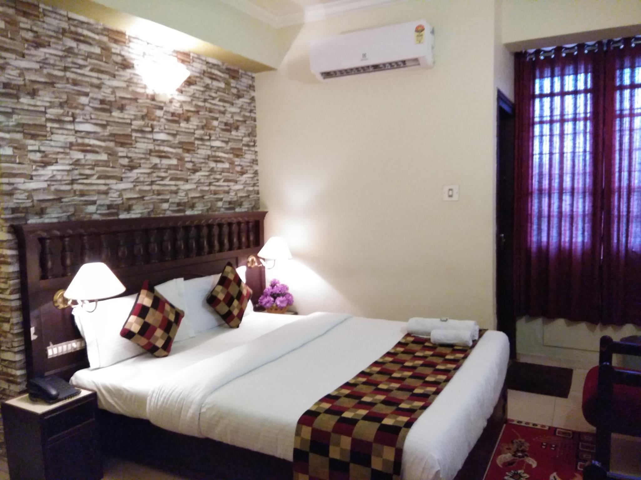 Hotel Palace Tower, Thrissur