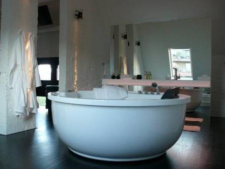B&B Suites@FEEK, Antwerpen