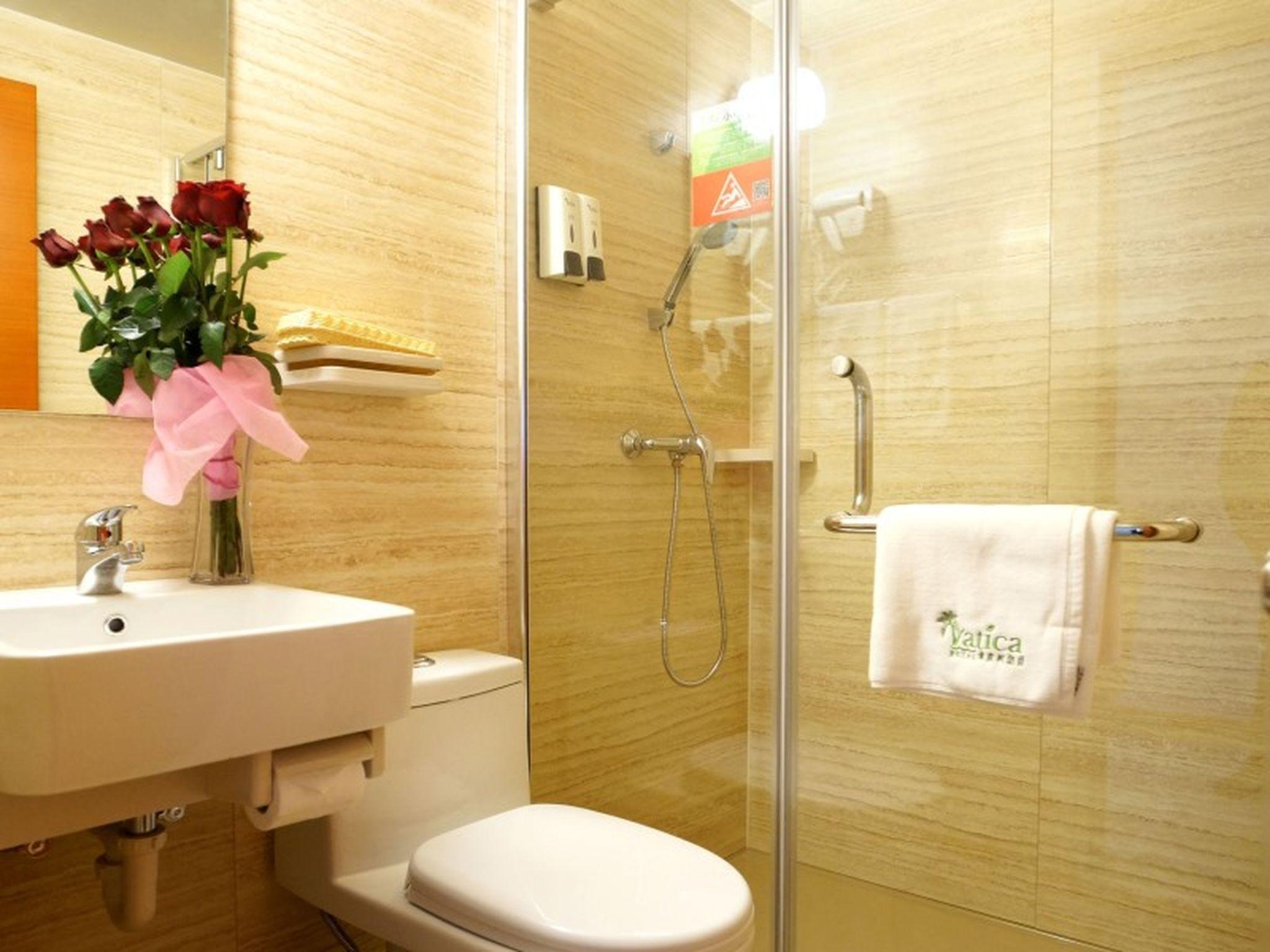 Vatica Shanghai Pudong Airport Town Renmintang Road Hotel, Shanghai