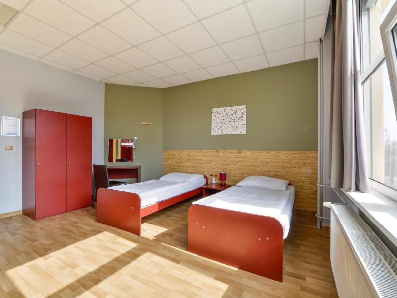 另外布拉格青年旅館