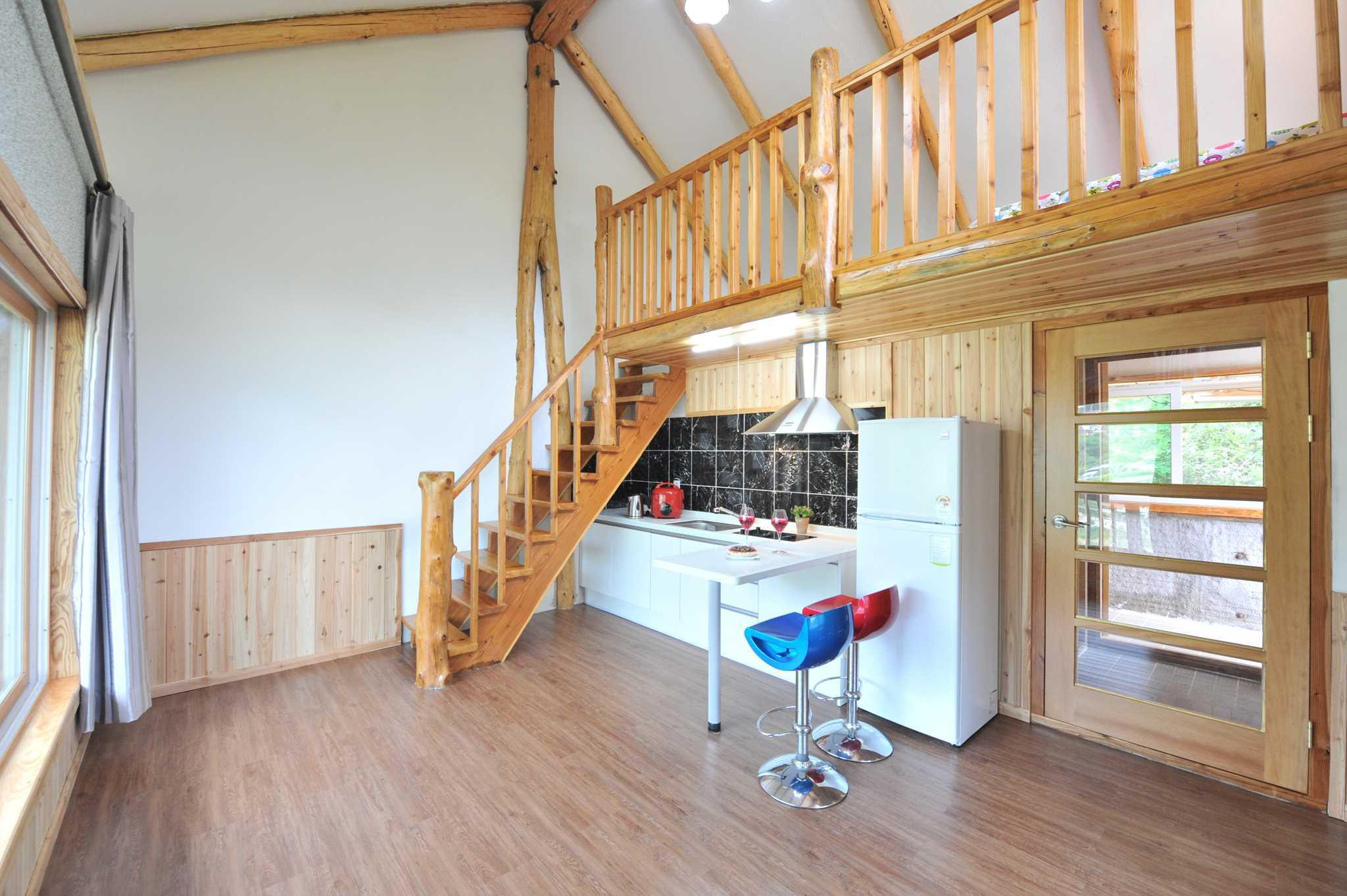 7 Dwarfs House - 301
