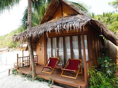baan panburi village at yai beach