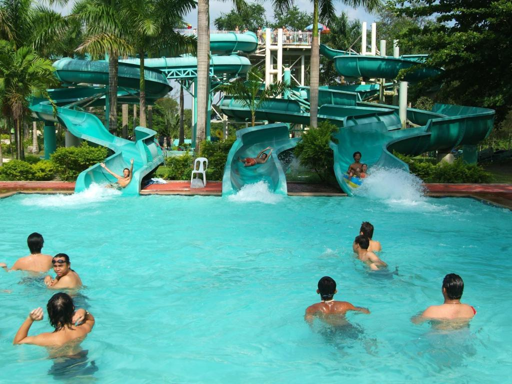 Best Price On Fontana Hotel And Villas Fontana Hot Spring Leisure Parks In Angeles Clark