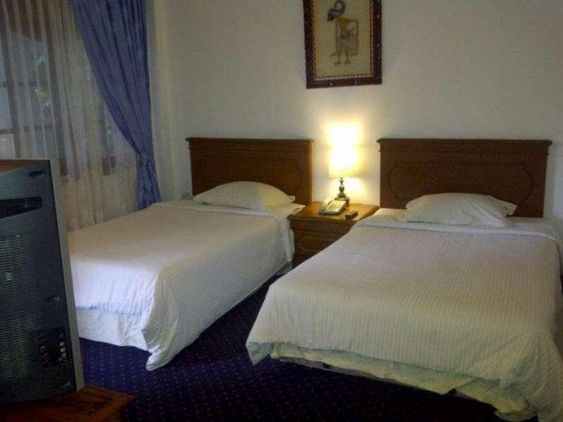 Lodging Hotel Sadinah, Solo
