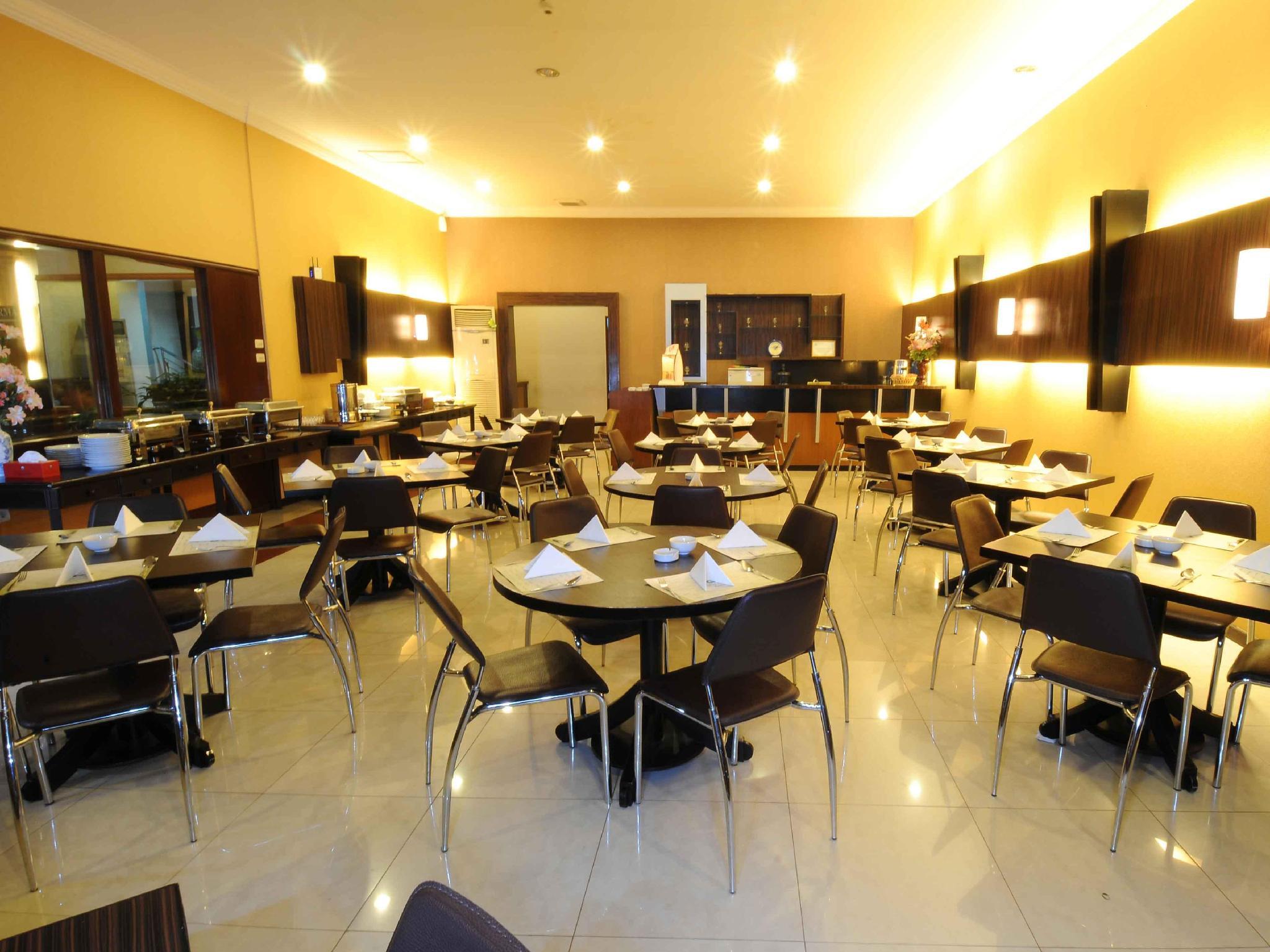 Capital O 988 Hotel Kapuas Dharma 2