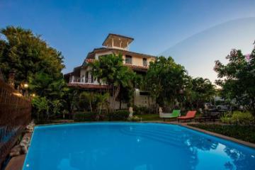 Brodie Rawai Resort