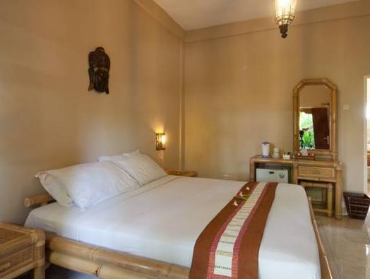 Chonos Hotel, Buleleng