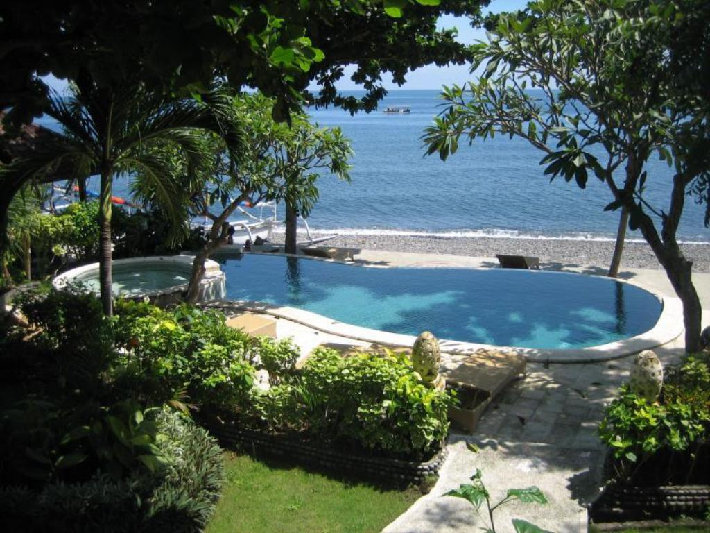 Best price on double one villas amed in bali reviews for Bali resort villa