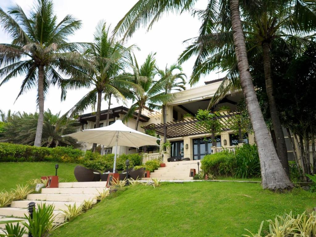 Best price on club punta fuego in batangas reviews for Hotel pillows for sale philippines
