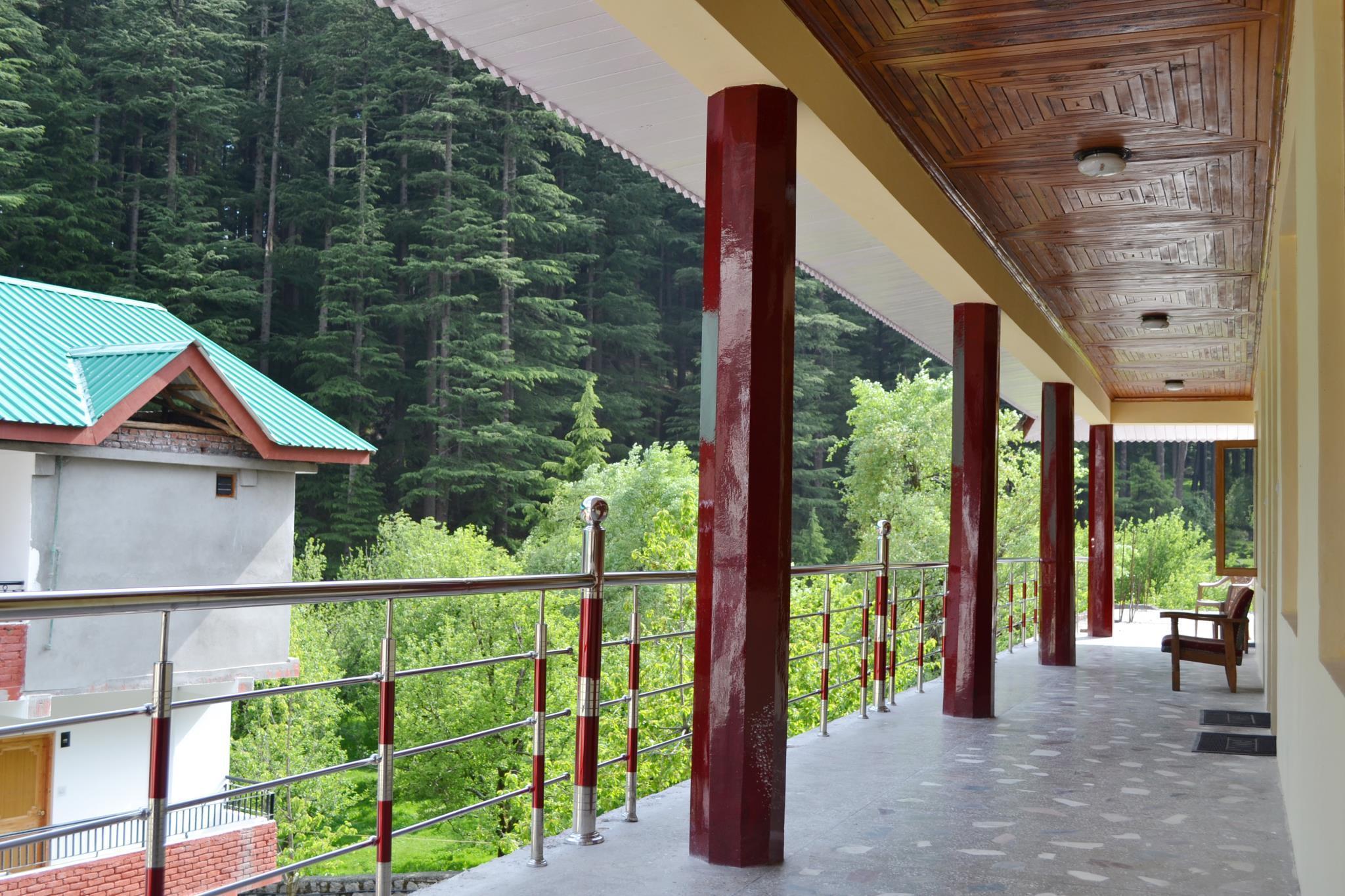 Hotel Chetna & Cottages, Kullu