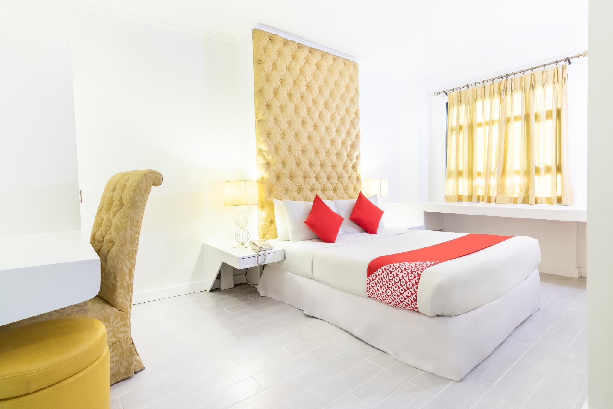OYO 185 Seven Suites Hotel, Antipolo City