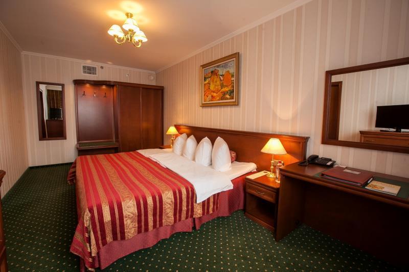 Korston Club Hotel, Western