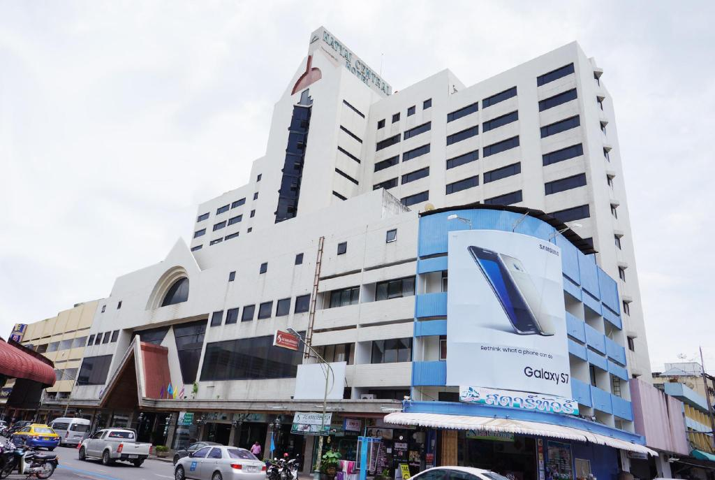 Best Price on Hatyai Central Hotel in Hat Yai + Reviews