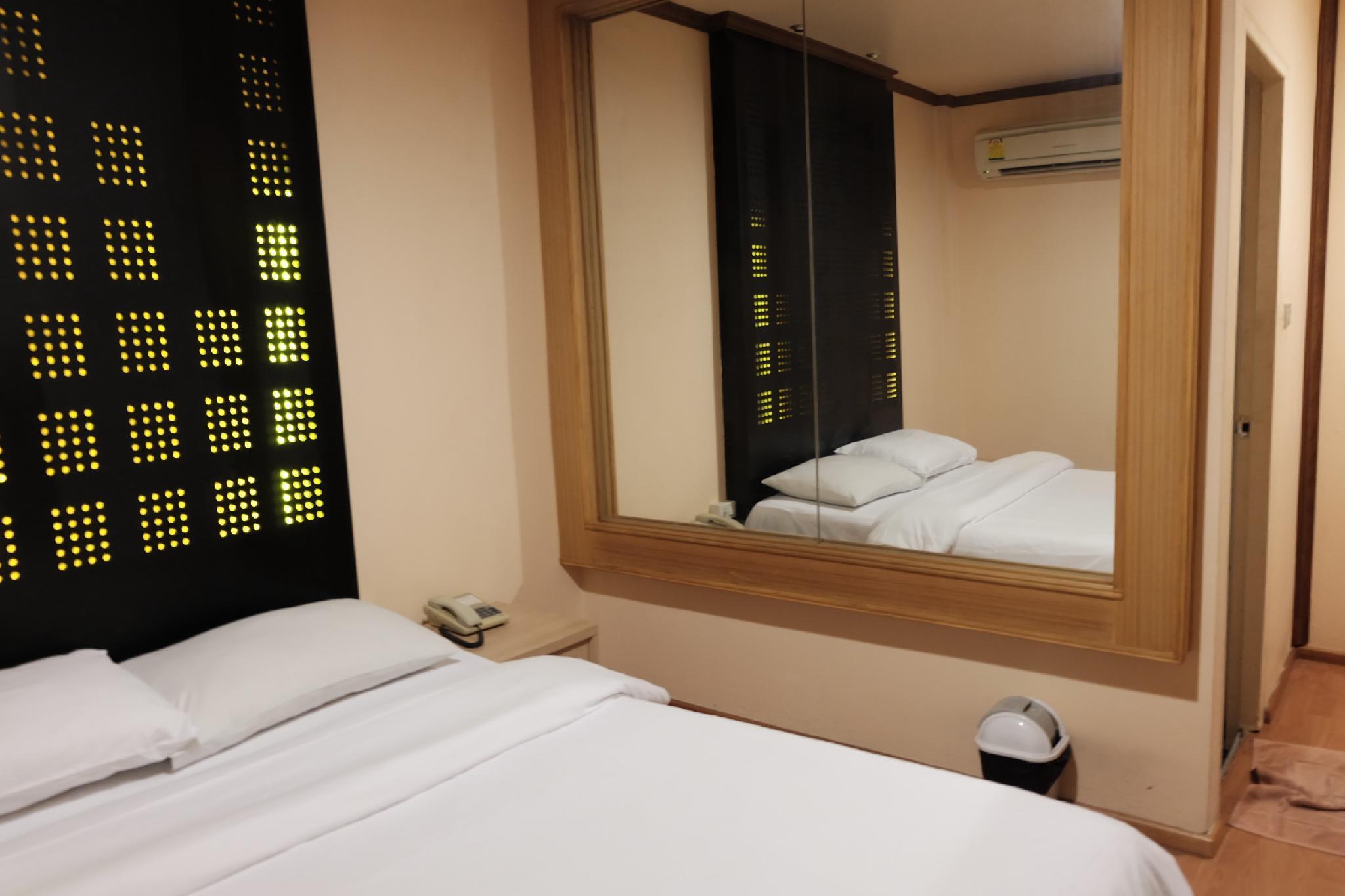 Suriwongse Hotel, Bang Rak