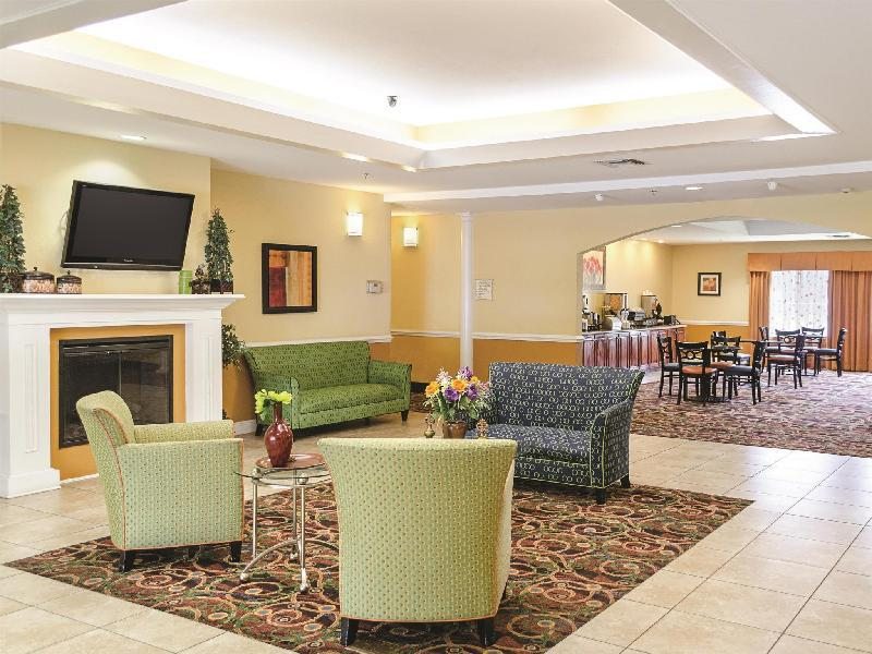 La Quinta Inn & Suites by Wyndham Mobile Satsuma / Saraland