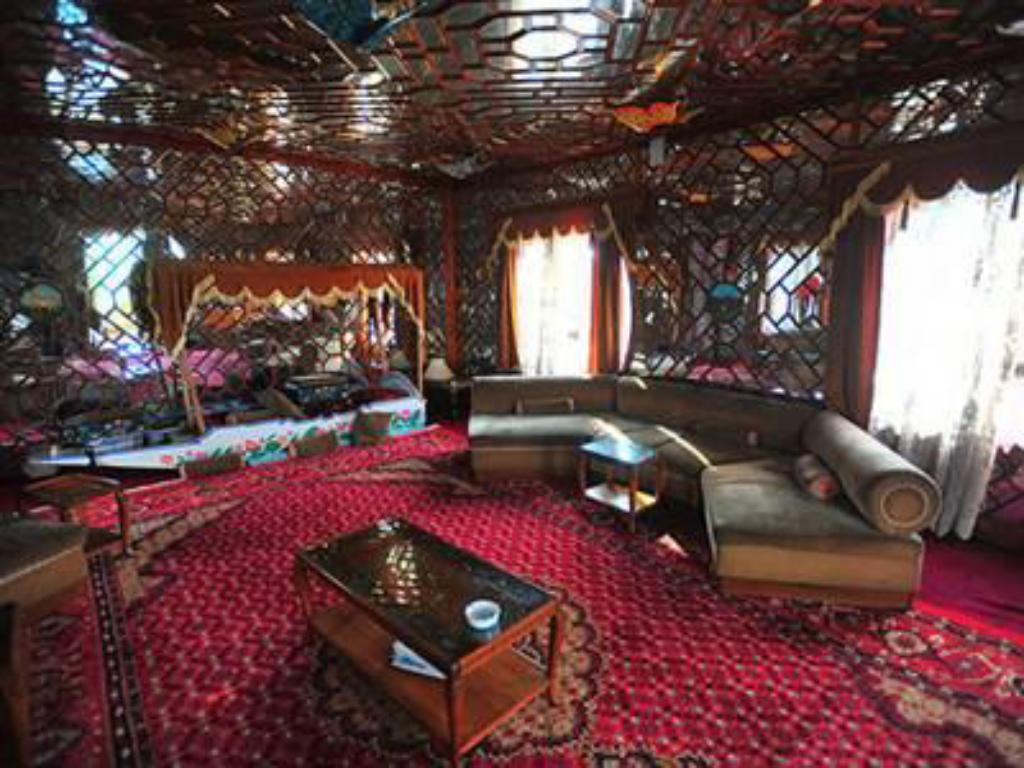 best price on butterfly group of houseboat in srinagar reviews