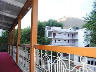 Hotel Greenland, Kargil