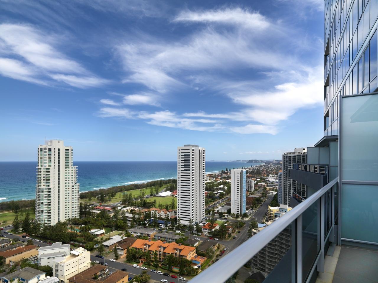 Best Price on Meriton Serviced Apartments Broadbeach in ...