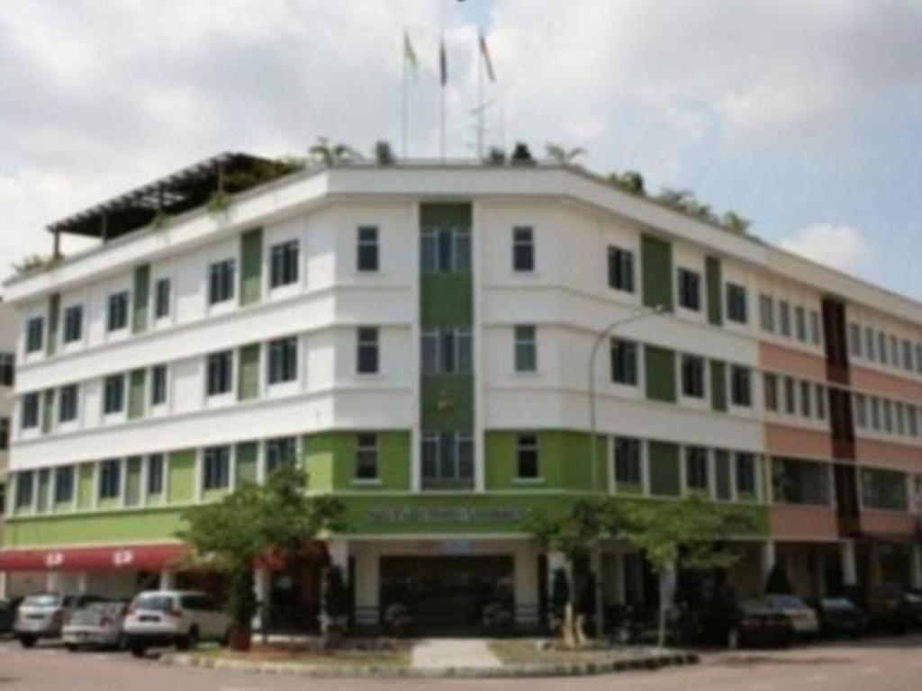 Best Price On Swan Garden Hotel In Johor Bahru Reviews
