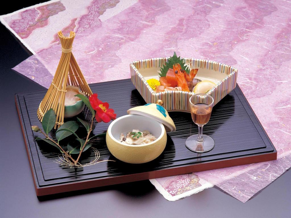 Japanese Style Table Setting Best Price On Wakakusa No Yado Maruei Ryokan In Mount Fuji Reviews