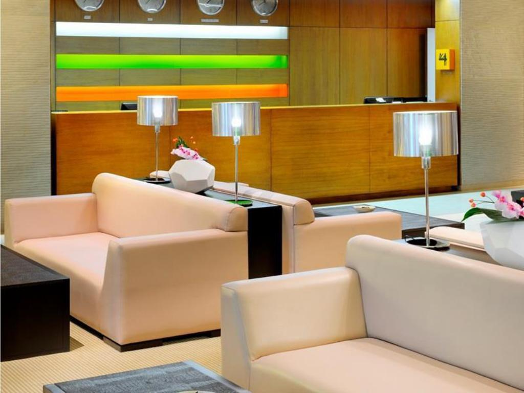 Best price on hues boutique hotel in dubai reviews for Trendy hotels dubai