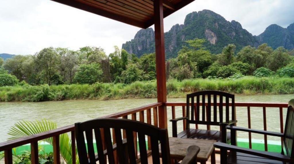 Best price on river view bungalows in vang vieng reviews for Domon river guesthouse vang vieng