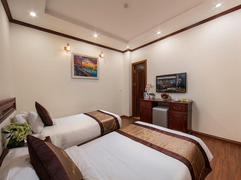 Royal St Hanoi Hotel, Cầu Giấy