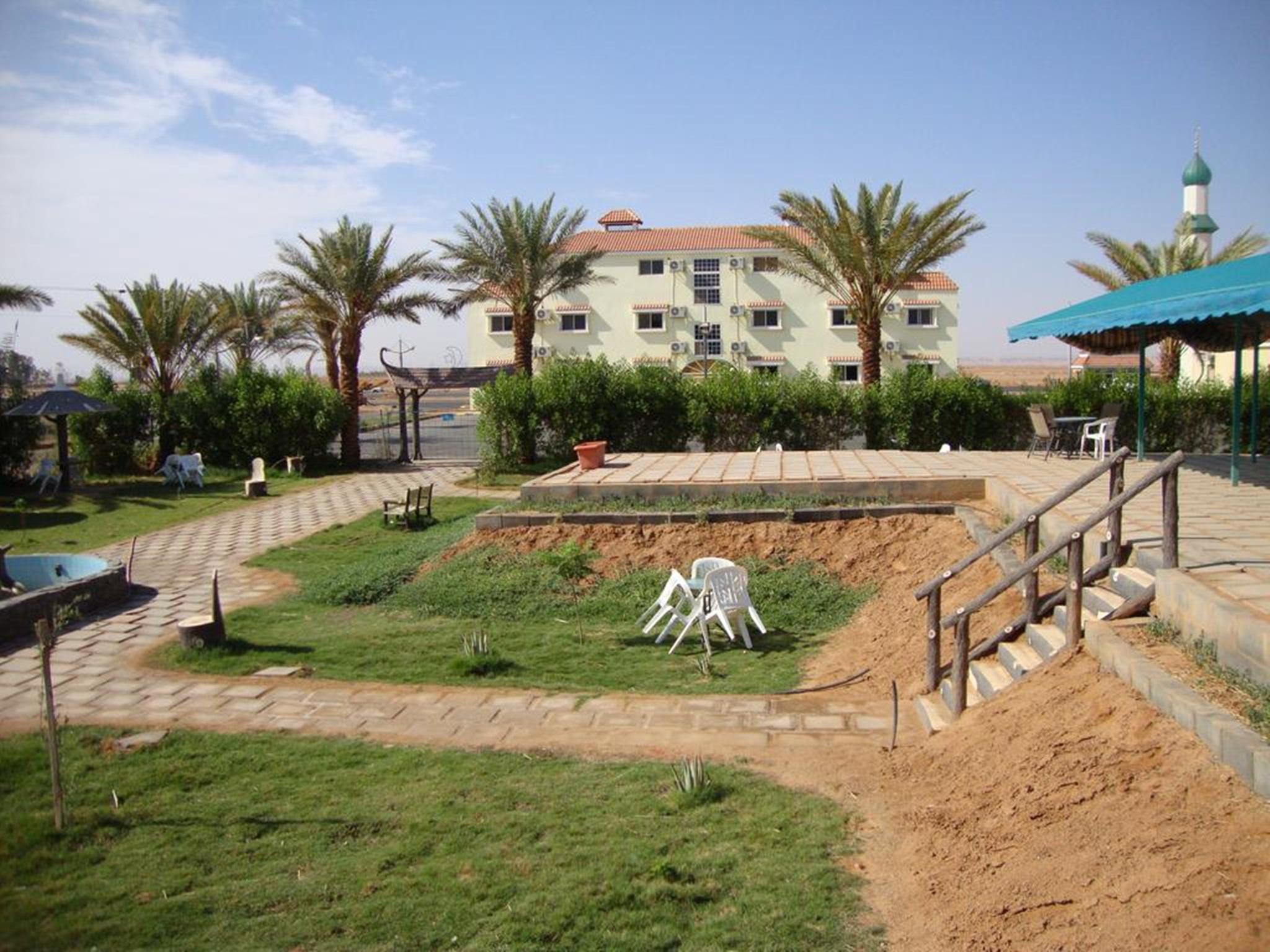 Al Qwafil Suites,