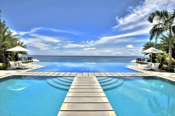 Acuatico Beach Resort & Hotel
