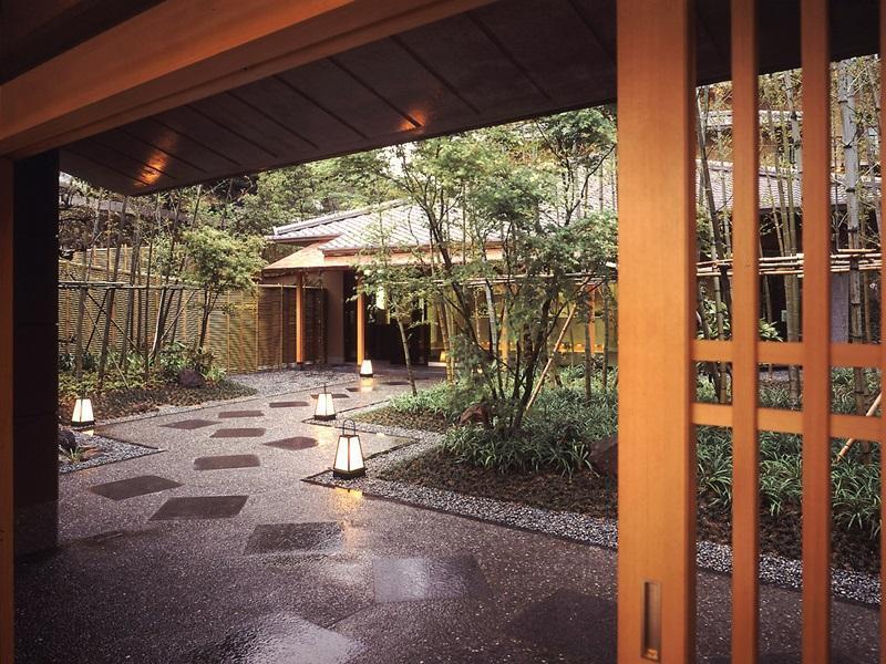Arima-Onsen Kinzan, Nishinomiya