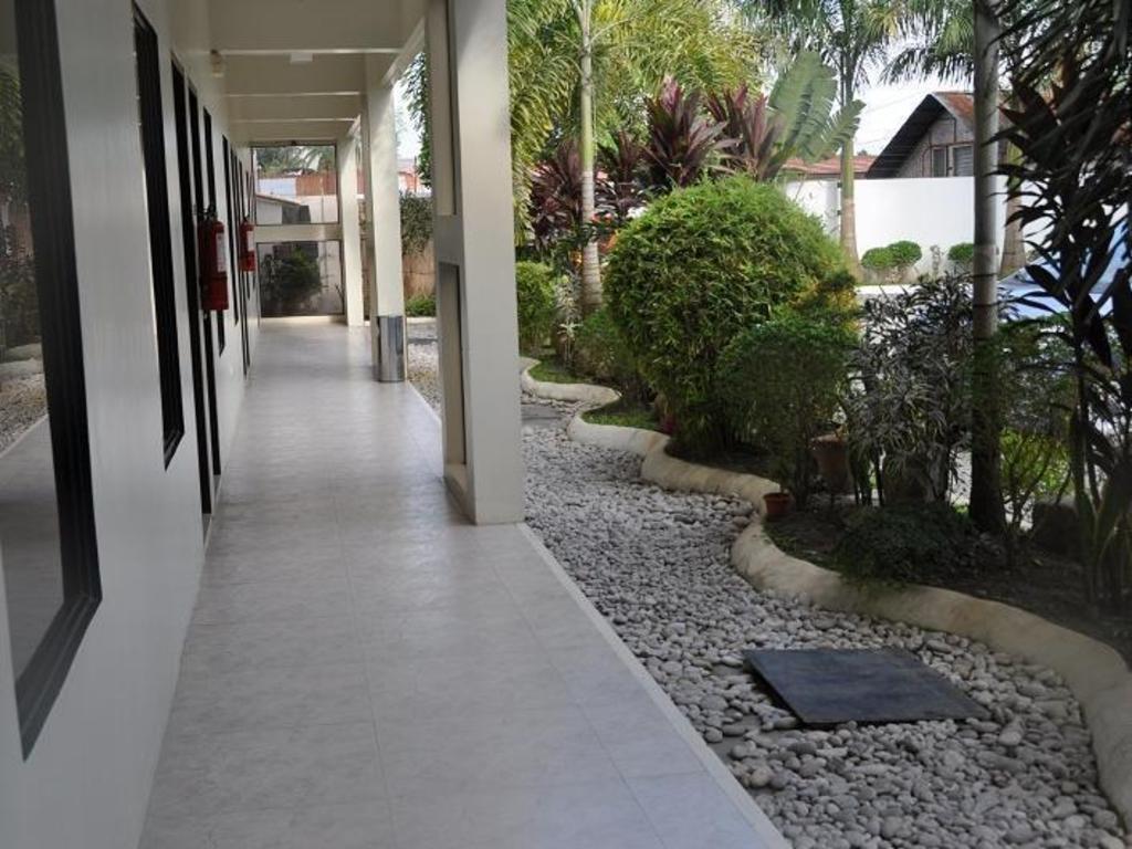 Best Price on Driggs Pension House in General Santos