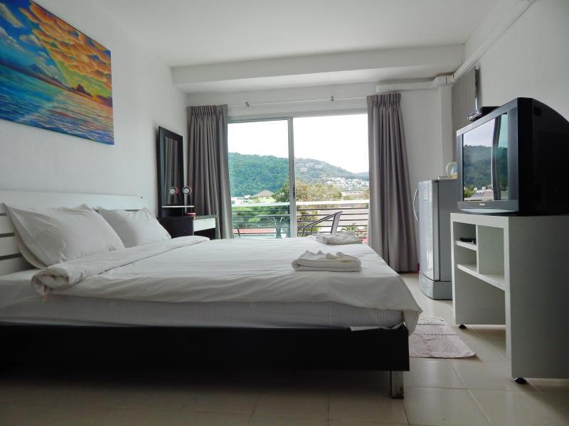 Jinta Andaman, Pulau Phuket
