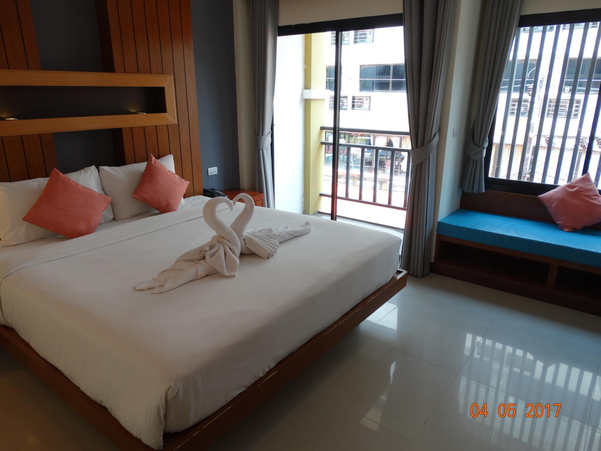 Acca Patong, Pulau Phuket