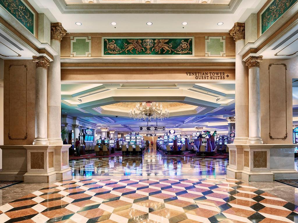 高級ホテルのカジノ画像