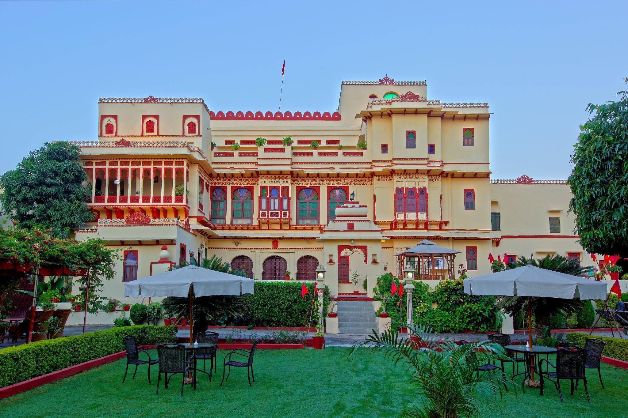 Hotel Fort Dhariyawad, Pratapgarh