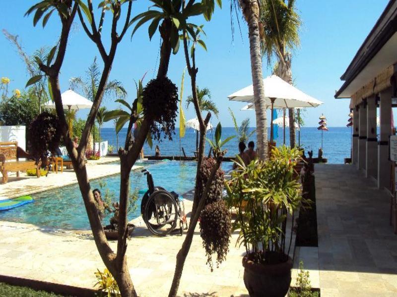 Kelapa Lovina Beach Villa, Buleleng