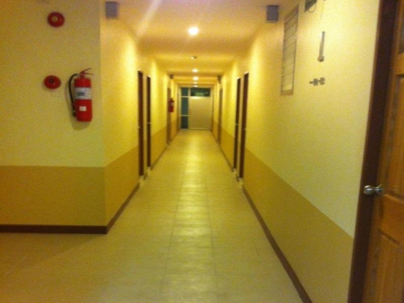 trat center hotel