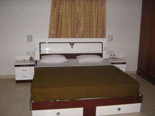 Shree Balaji Serviced Apartment - Labrunium Park