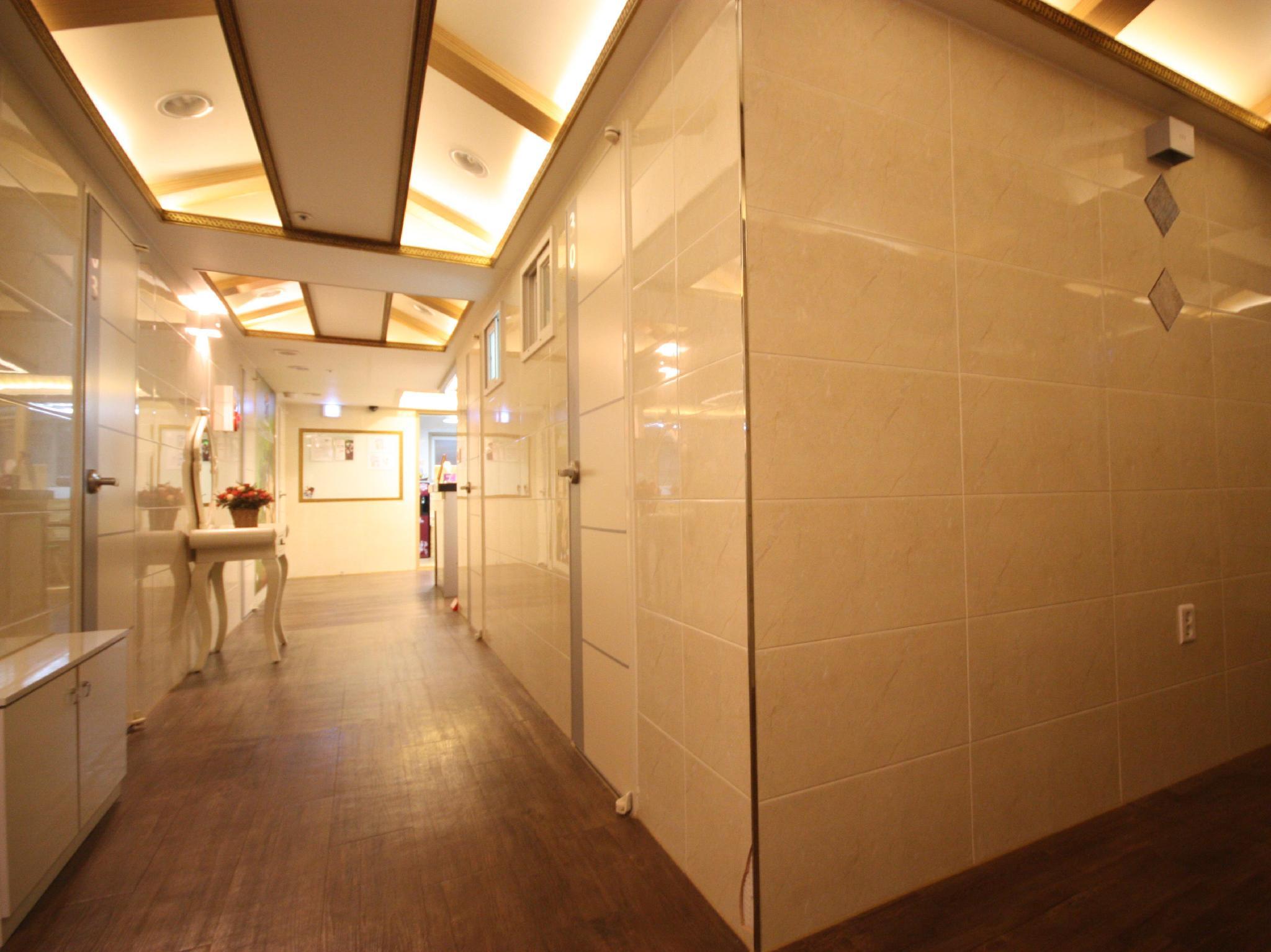 K Pop Residence I, Jongro