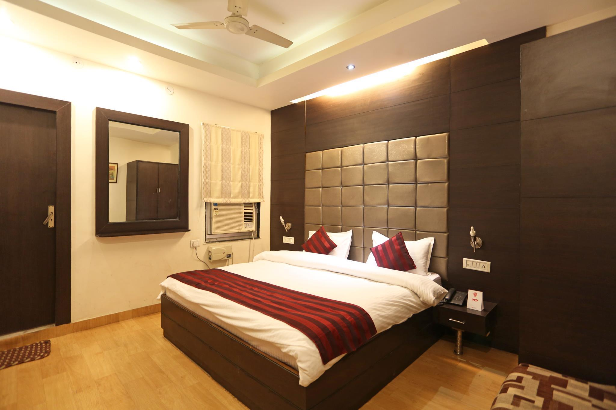 Hotel YKS, Kota