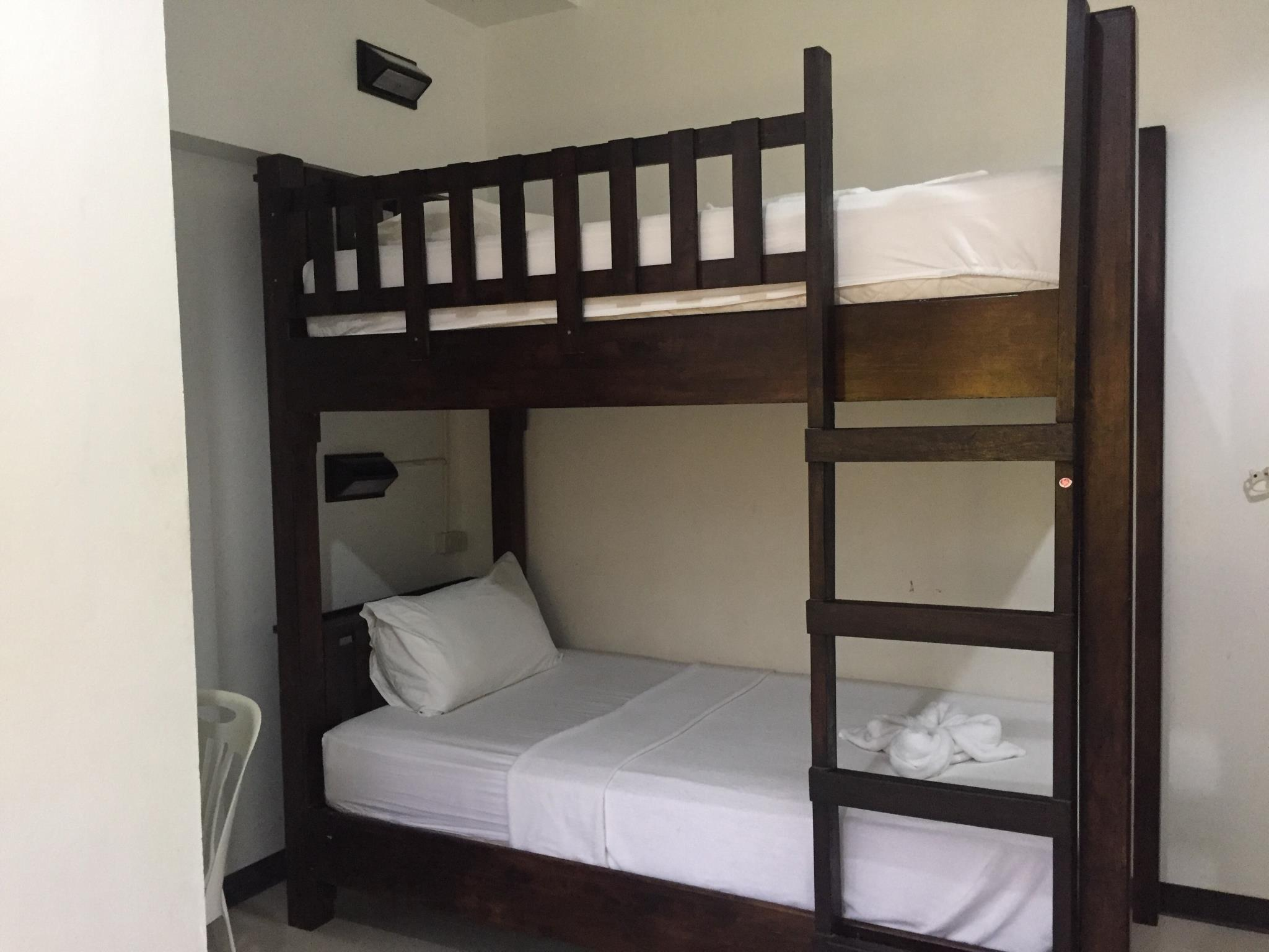 Srithongkul Village (Hostel Room), Ko Phangan