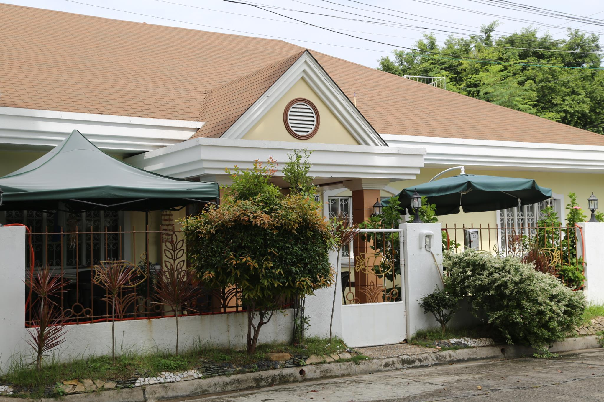 Dee GuestHouse White Sands, Lapu-Lapu City