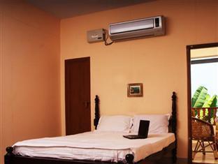 Backwater Breeze Hotel, Kottayam